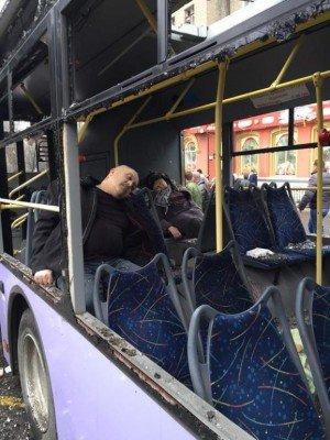 Пассажиры рокового троллейбуса - Bosse-Donetsk-ostanovka-3.jpg