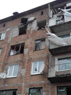 Результат обстрела города 3 февраля - Enakyevo-obstrel.jpg