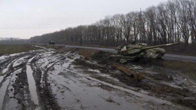 Брошенная техника ополченцев, пытавшихся первыми прорваться в Углегорск - 01092399-3.jpg