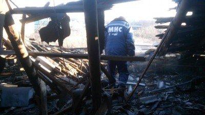 Последствия артобстрела - снаряд попал в пожарную часть - Обстрел-пожарки-в-Авдеевке.jpg