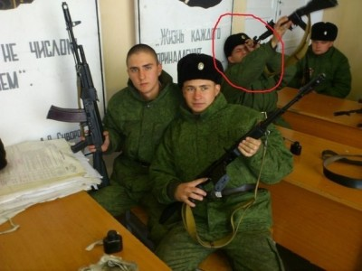 Солдат спит... не, не спит - soldiers-from-russia.jpg