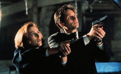 Скалли и Малдер выслеживают нечисть - Scully-Mulder-X-Files.jpg
