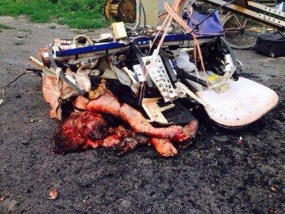 Пассажиры, разбившиеся прямо об дорогу - 4uw40309n.jpg