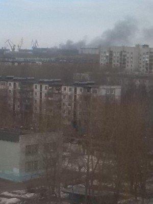 Вид на судоремонтную базу - Северодвинск-во-время-пожара-на-Орле.jpg