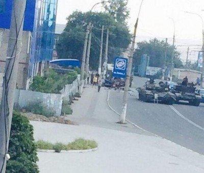 Авария в Краснодоне со смертельным исходом и при участии ополченцев - Krasnodon-Street-Avarya.jpg