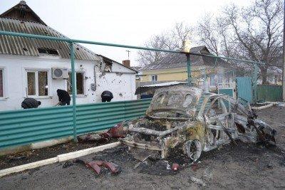 Последствия артобстрела Докучаевска - dokuchaevsk-pod-ognem-terrorystov.jpg