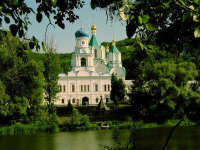 Святогорская лавра в 2010 году, фото из личного архива - Svyatogorsk-2010.jpg