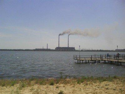 Кураховская ТЭС - промышленный символ города энергетиков - Kurahovo-City.JPG