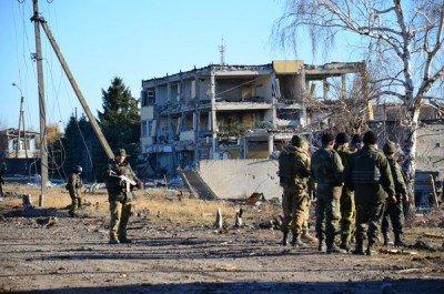 А это уже жилой дом - Svatovo_bombs_3.jpg