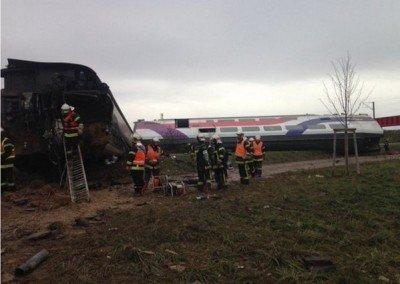 Спасатели работают на месте происшествия - Terakt_France_03.jpg