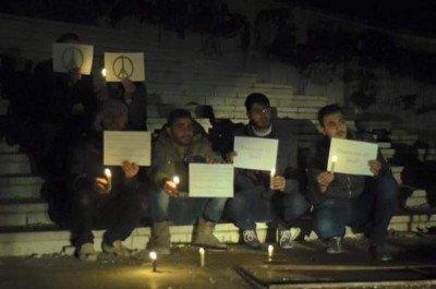 Сирийцы зажигали свечи в знак солидарности с французами - Terakt_France_07.jpg