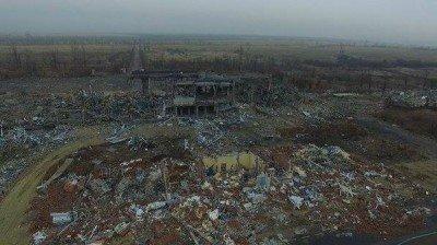 Разрушенный терминал Луганского международного аэропорта - Lugansk_airport-1.jpg