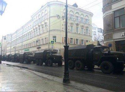 Они говорят, что Путина поддерживает 86 страны, а сами защищаются от уже убитого Немцова целой армией  - Nemtsov_21.jpg