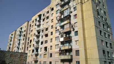 В жилом доме практически не осталось жильцов - Avdeevka-promzona-3.jpg