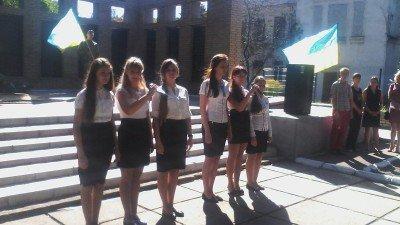 Школьники зачитывали свои поздравления - krasnogorovka-02.jpg