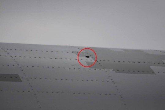 Украинский самолет Ан-26 обстреляли из захваченных Россией буровых установок в Черном море - An-26 (3).jpg