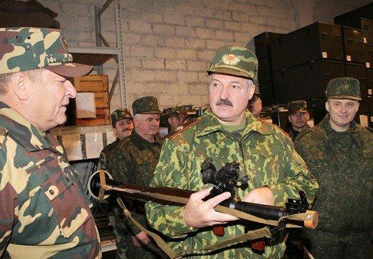 Александр Лукашенко лично посетил военную часть на границе с РФ - Lukashenko.jpg