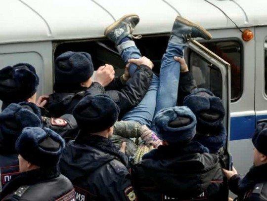 В Москве стартовал митинг против коррупции Он вам не Димон  - 84837.jpg