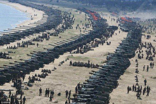 Танки, тяжелая артиллерия, КНДР - kndr.jpg
