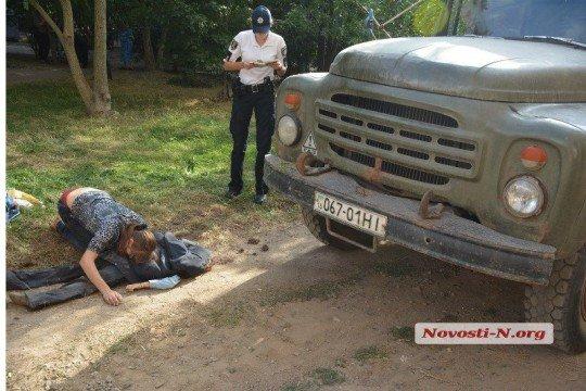 В Николаеве водитель ЗИЛ раздавил первоклассника 18 - Nikolaev (1).jpg