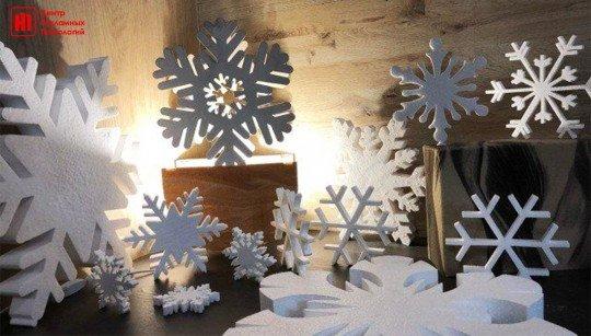 Фигурная резка букв и фигур из пенопласта - снежинки пенопласт.jpg