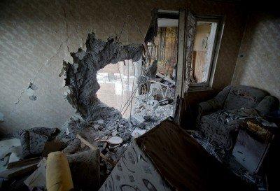 Снаряд попал в жилой дом - 00192388.jpg